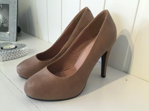 f27afaaa1d5 Beige pumps fra Bianco Footwear - Bloppis