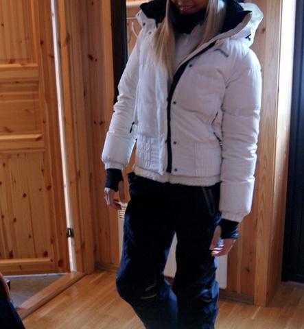 070bf6f53 Hvit Bergans jakke