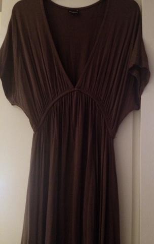 07d6ccfb Brun kjole med strikk i midjen - Bloppis