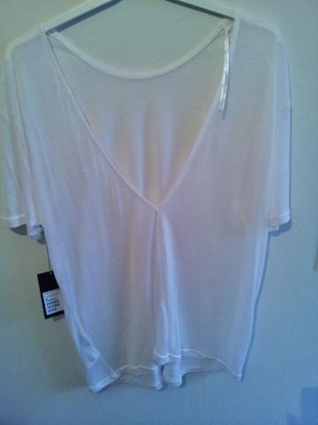 afa6185d T-skjorte med åpen rygg fra Weekday - Bloppis