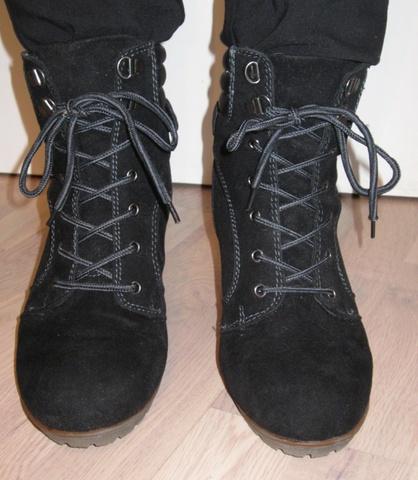 48ca761b Svarte støvletter med kilehæl/wedge fra DinSko - Bloppis