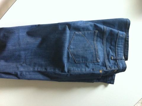 cb5a61d10 superfine jeans med sleng