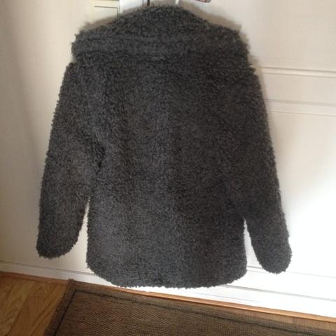 Teddy jakke fra BIK BOK Bloppis