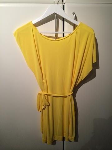 Brukte klær til salgs på nett
