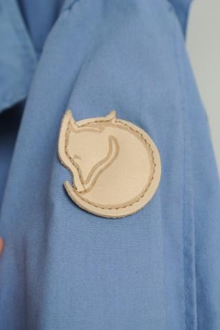 cf7fa060 Pent brukt blå fjellreven-jakken - Bloppis