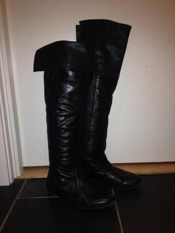 6e08322ea6b Overknee støvlett i skinn fra Bianco - Bloppis