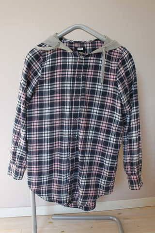 Skjorte fra Bikbok Bloppis